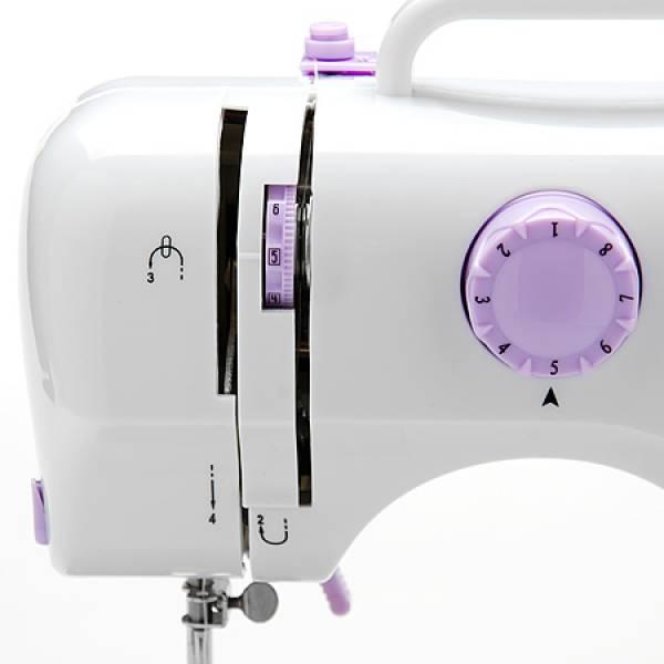 10935 Швейная машинка ZIMBER